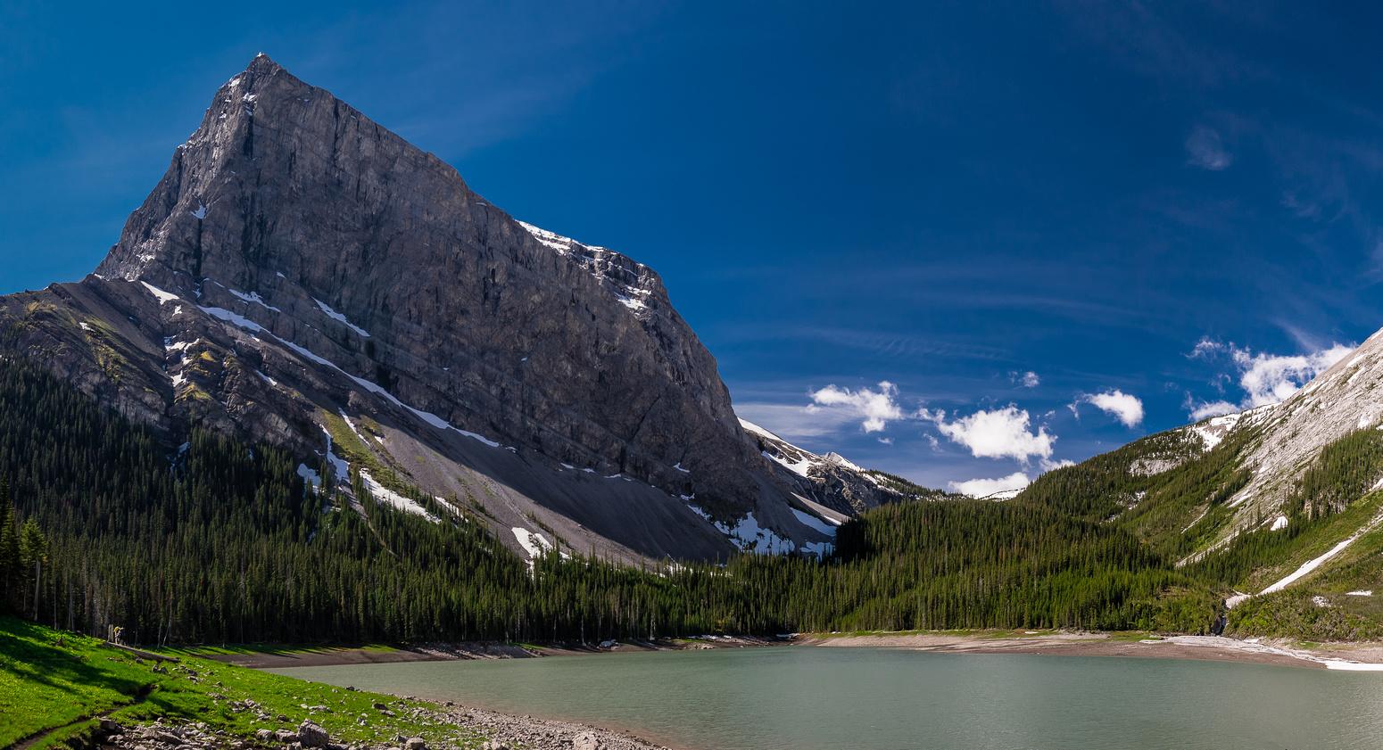 Hidden Lake scenery.