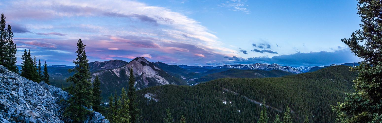Sunset is starting just before we hit the summit, Myosotis Peak on the left.