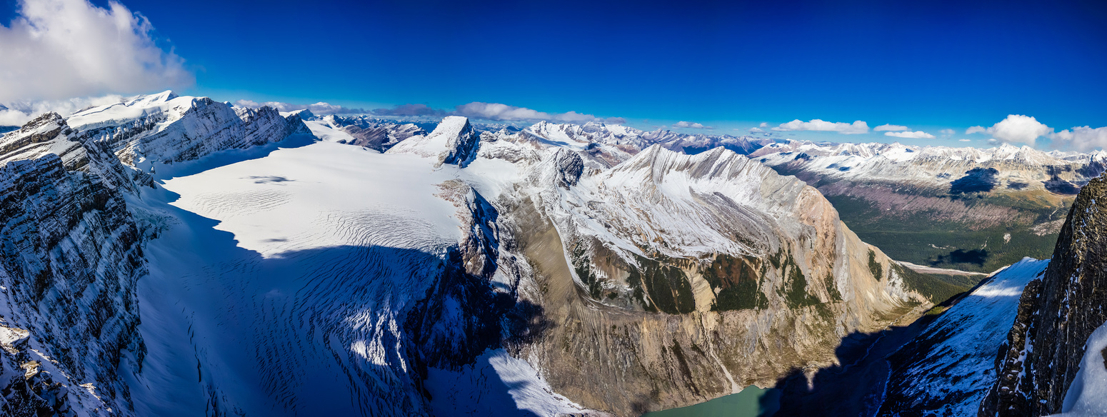 An incredible view of the Mural Glacier with Anne-Alice and Gendarme Mountain on either side.