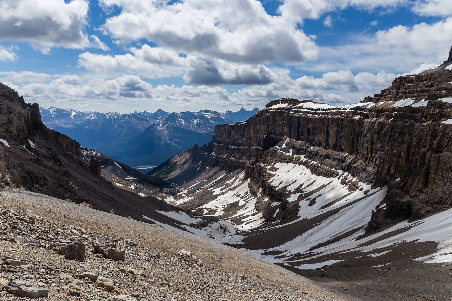 The scree run on the upper slopes beneath the Cline / Lion col is awesome - and fast!
