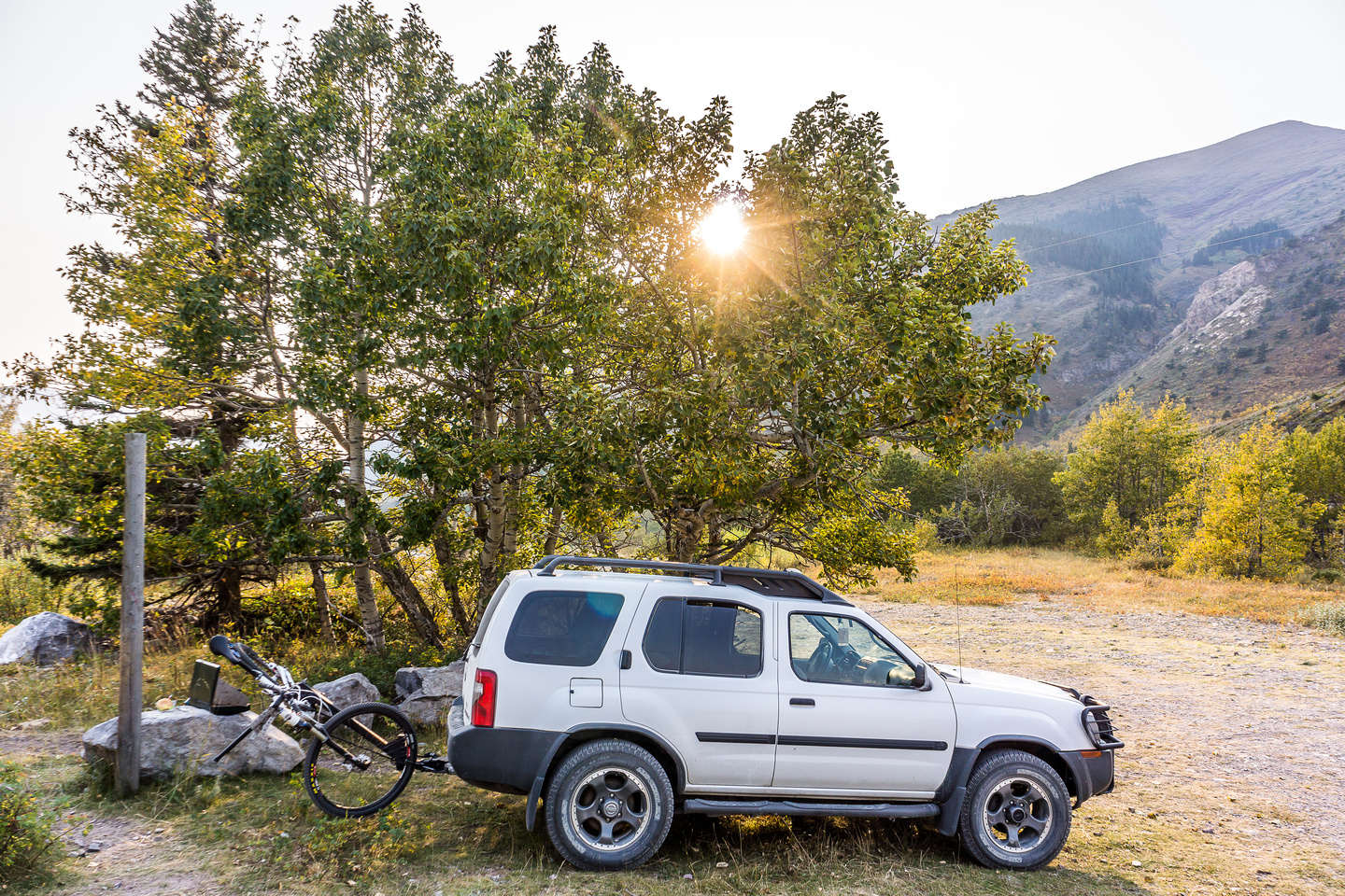 My excellent camping spot (slept in the truck) at the Pincher Ridge trailhead. It had a running stream and nobody bothered me either. The tree gave me shade.