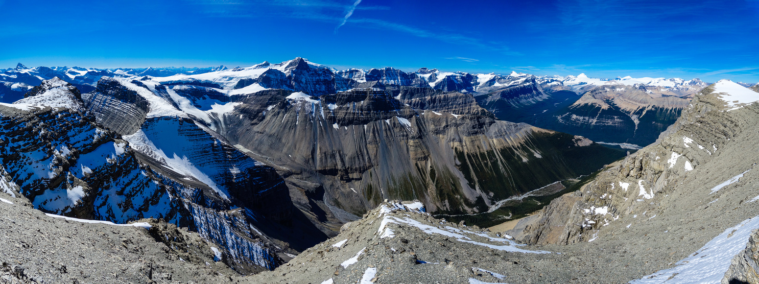 The impressive Ridge's Creek valley which drains the Lyell Icefield is far below us.