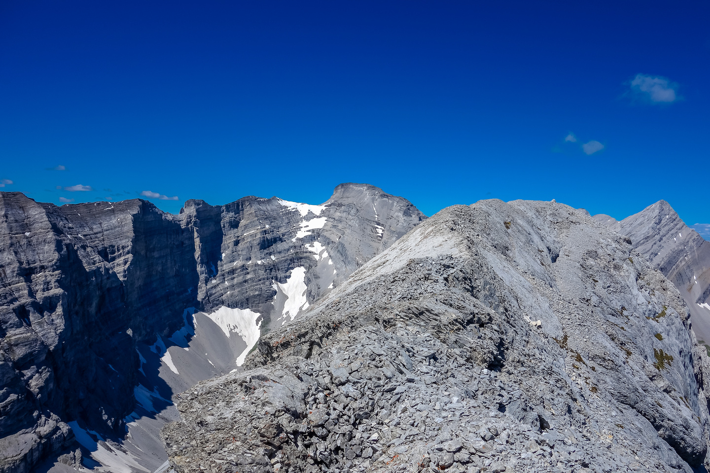 The final summit ridge stretches out in front of me on a glorious day to be scrambling.