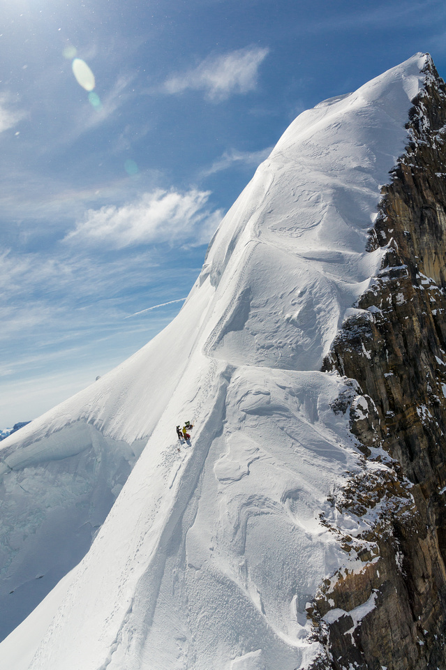 This photo from Raf more accurately depicts the serious terrain on the north ridge descent from North Twin to Twins Tower col.