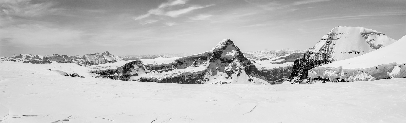 A panorama of Mount Columbia and South Twin from the trip back to camp.