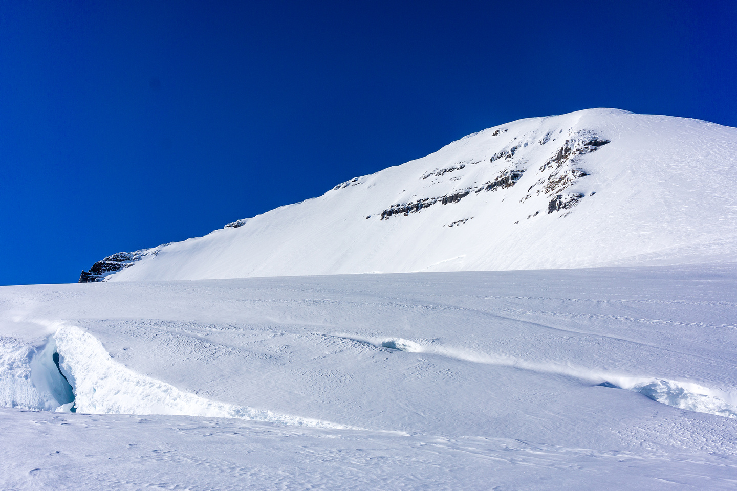 A nice-sized hole sitting below the normal ascent route (east ridge) on Columbia.
