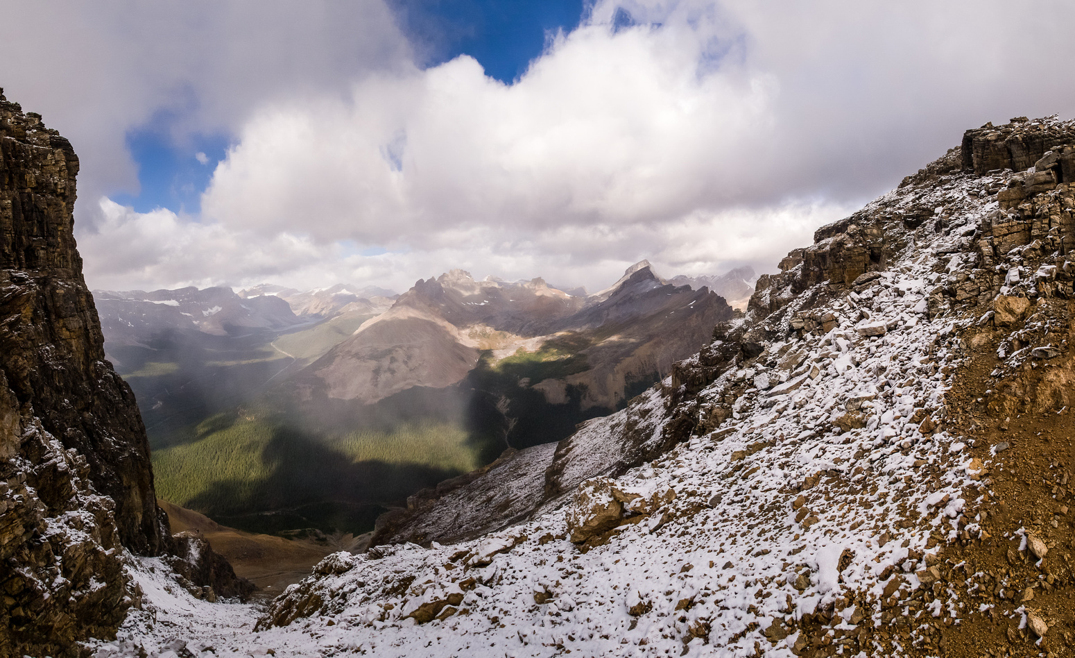 Views over Dolomite Pass to the north include Dolomite and Puzzle Peak.