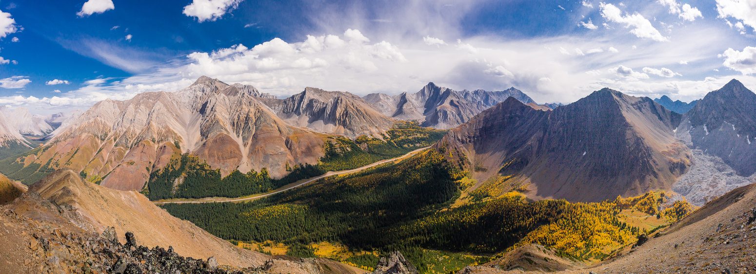 Looking across the Highwood Pass at Rae, Arethusa, Storm, Highwood Ridge, Grizzly Ridge and Tyrwhitt (l to r).