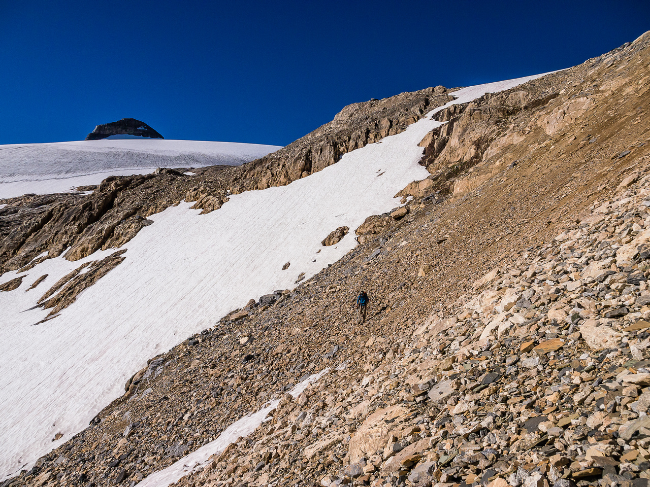 Descending from the bivy back to the plateau.