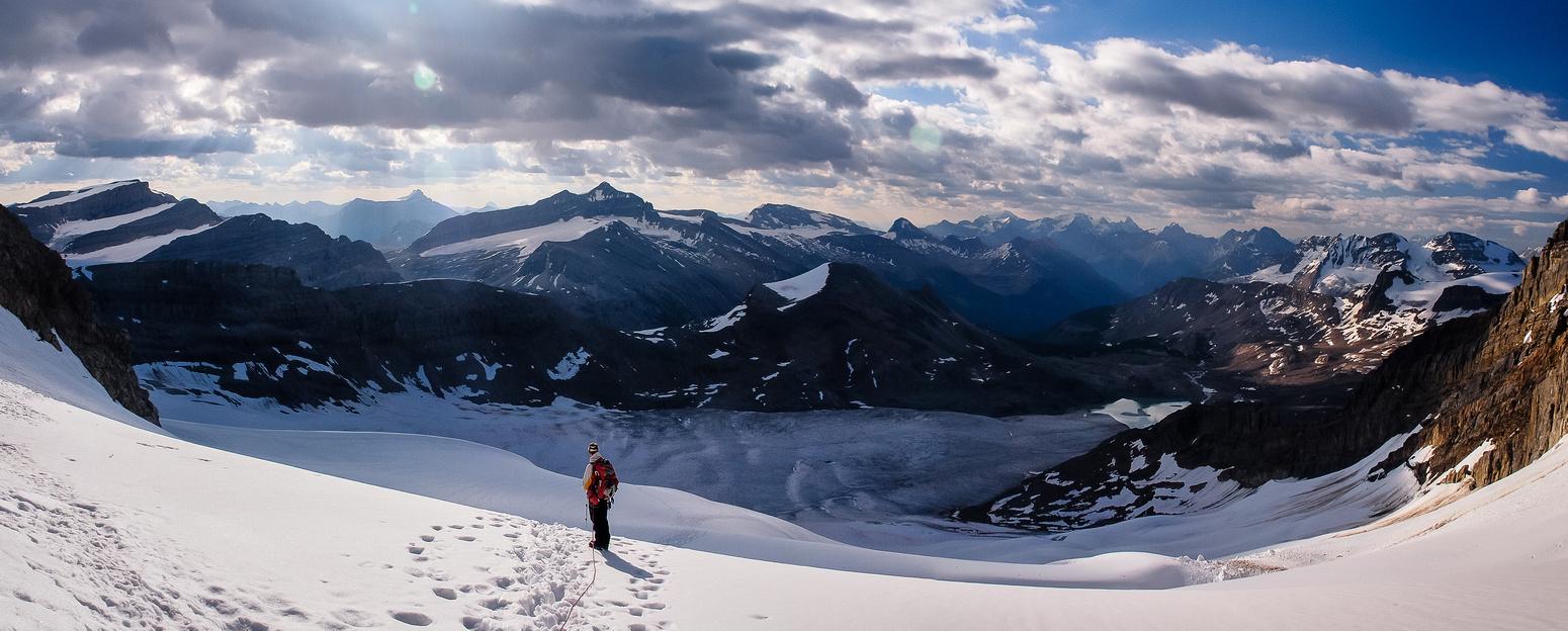 Descending to the des Poilus Glacier.
