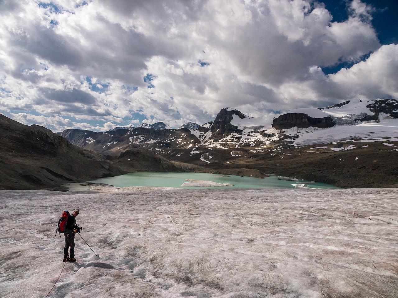 Descending the des Poilus Glacier.