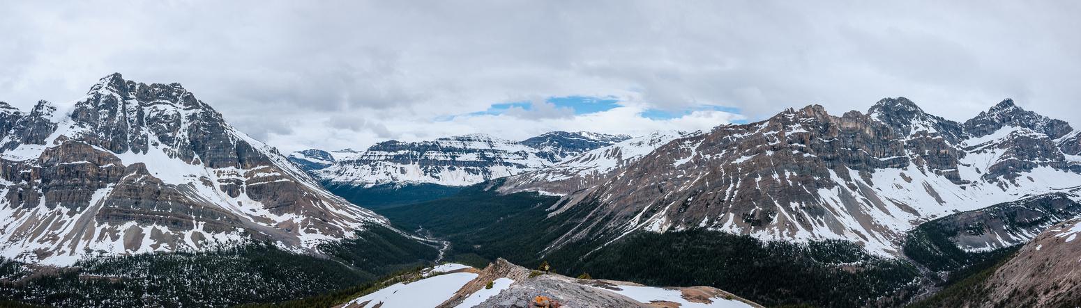 Noseeum, Bow Peak and Puzzle Peak (R).