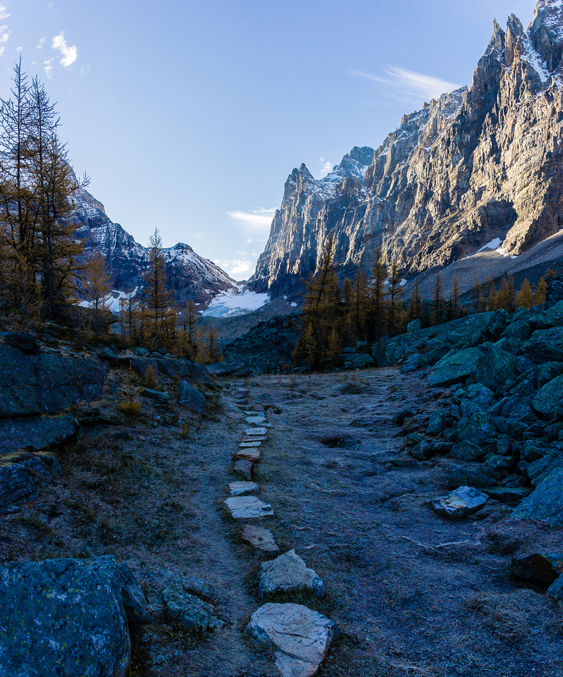 The excellent trail on the Opabin Plateau with Opabin Pass in the far distance.