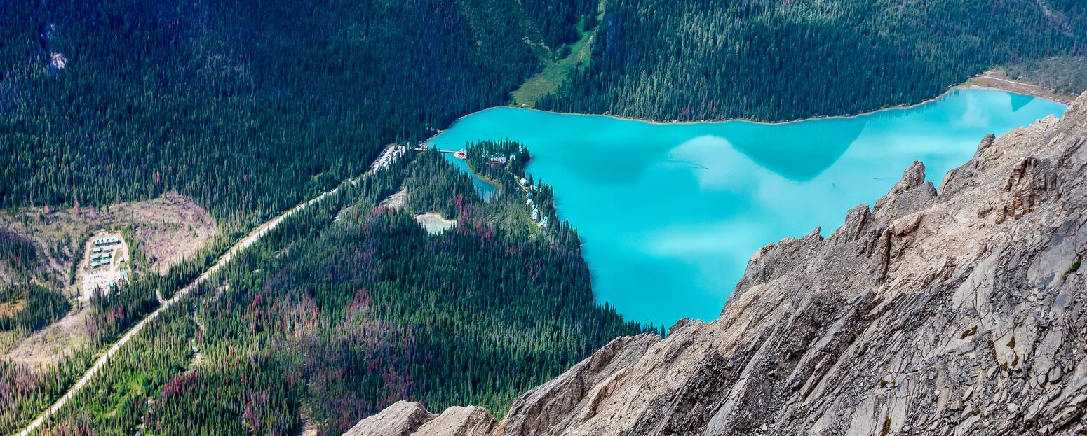 Close-up pano of the Emerald Lake Lodge resort.