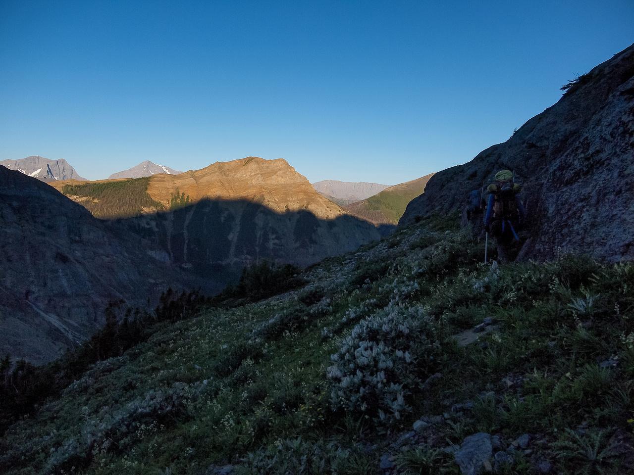 Traversing around to the SE ridge of Stanley.