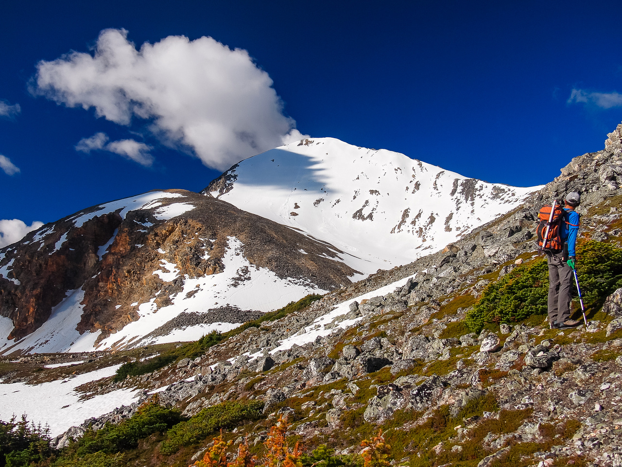 Hiking up the first ridge, above tree line now.