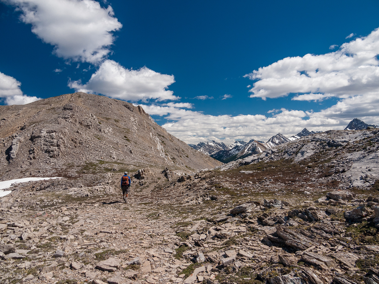 More awesome scenery on the summit ridge.