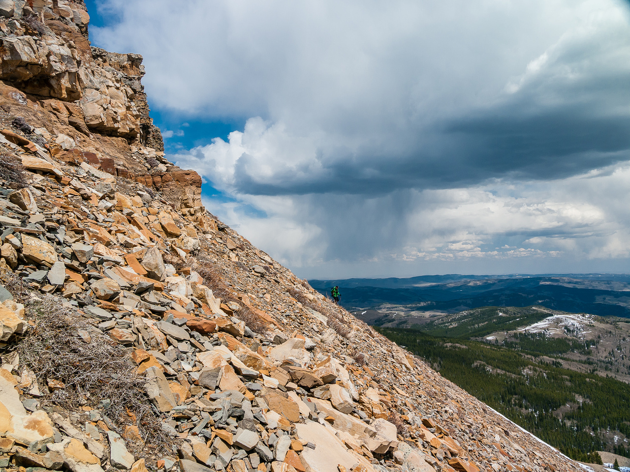Descending scree slopes towards Horseshoe Ridge.