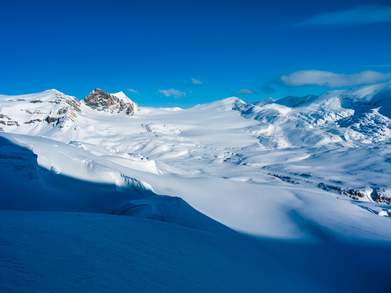 Beautiful view over the Vulture Glacier from high up near the Balfour Col. In good weather, this is a special place.
