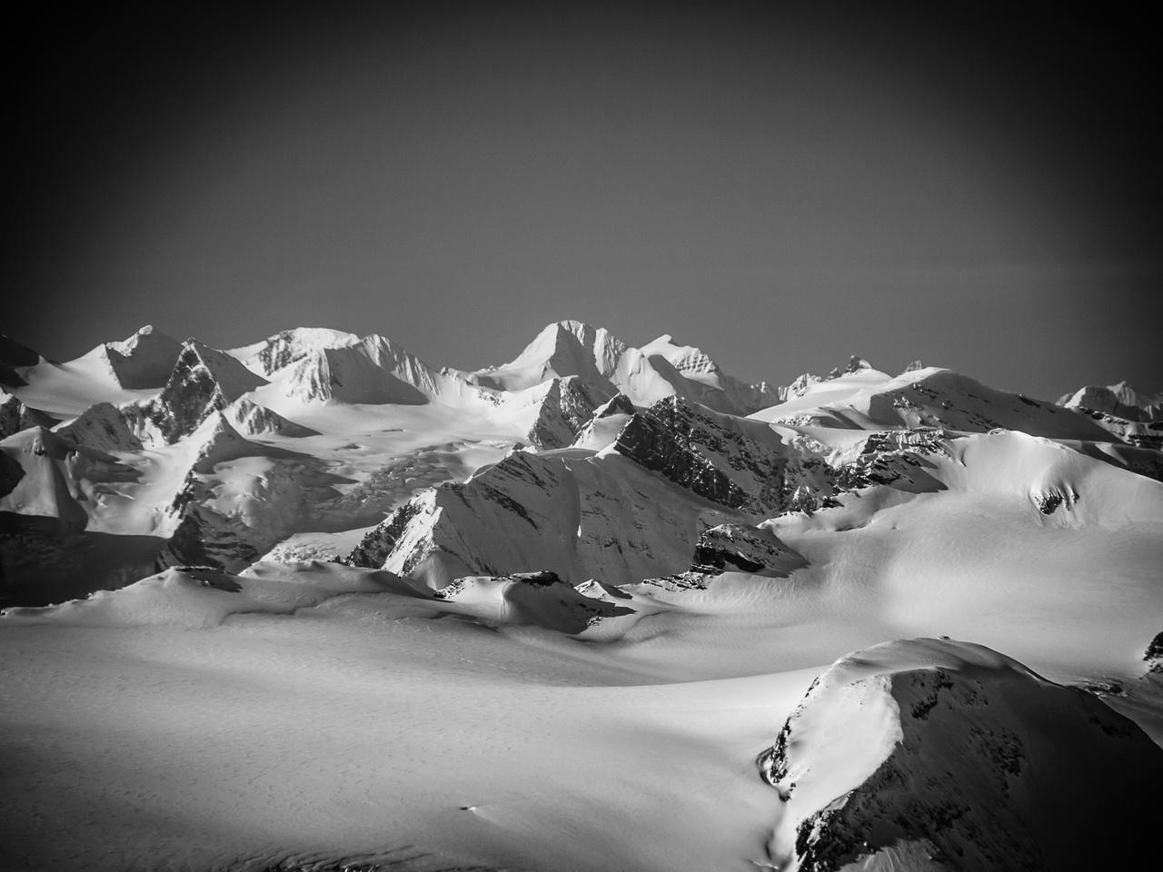 More distant Freshfield summits including Trutch, Gligit, Helmer and Barlow.