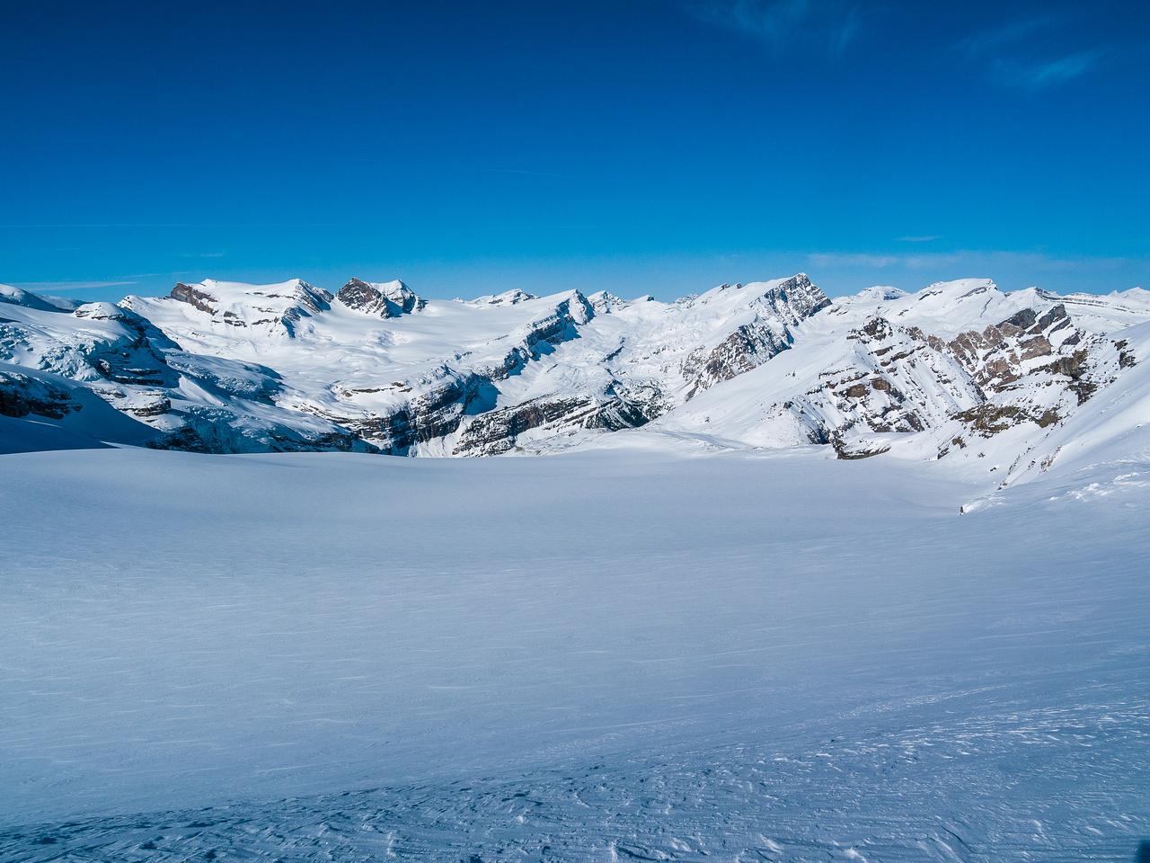An empty white canvas awaits our snow sticks.