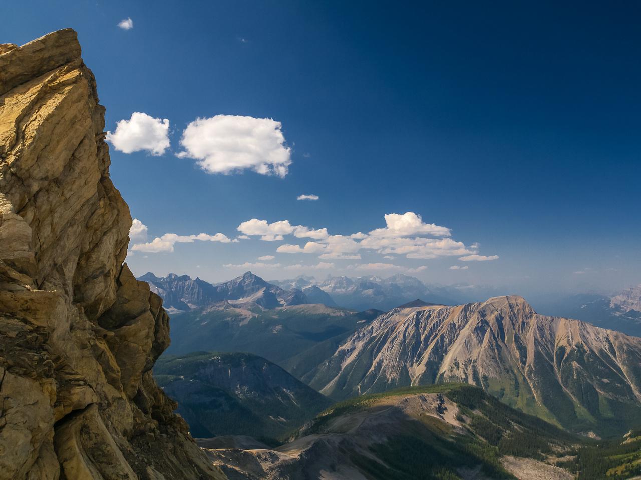 Serious terrain on the ridge.