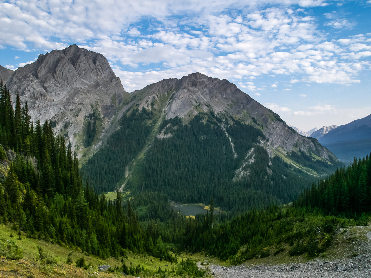 Looking back towards Commonwealth Peak and Ridge (R) over the Burstall Ponds.