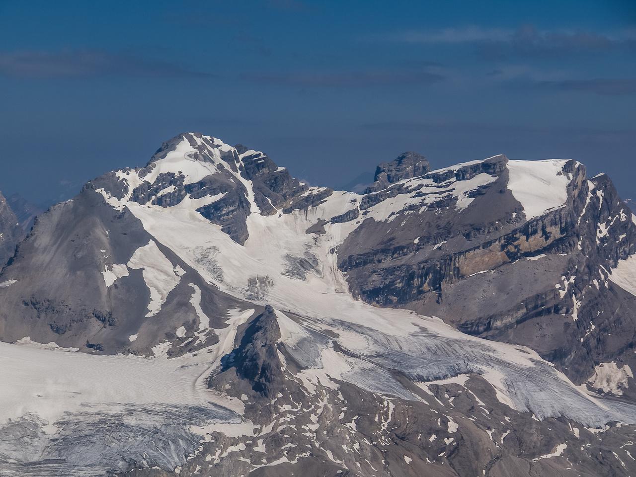 Beautiful Cirrus Mountain