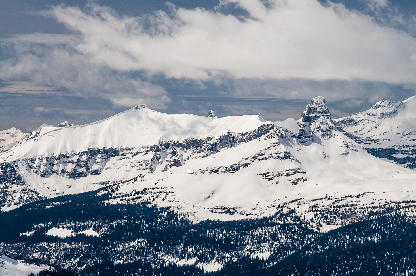 The striking form of Talon Peak to the west.