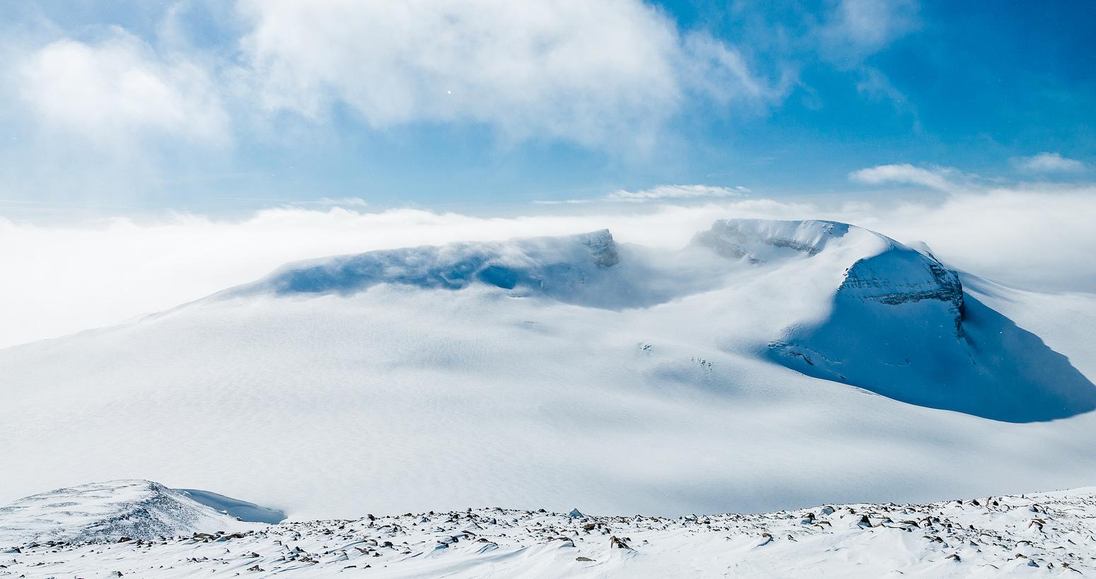 Summit views towards Rhondda and Habel.
