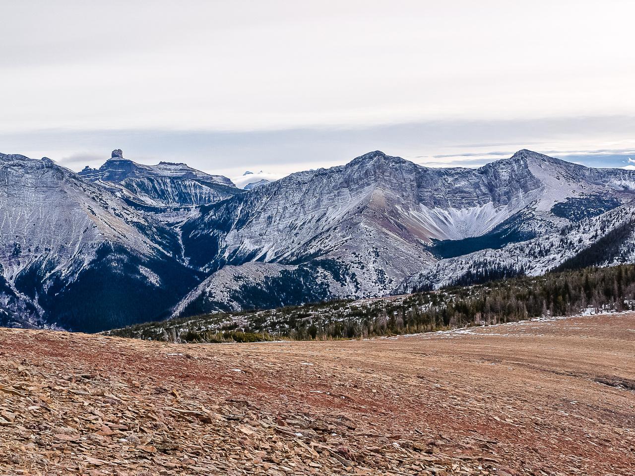 Castle Peak at left, Southfork on the right.