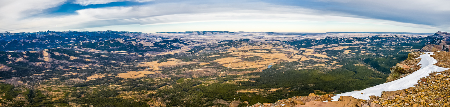 Panorama of the front ranges and the prairie.