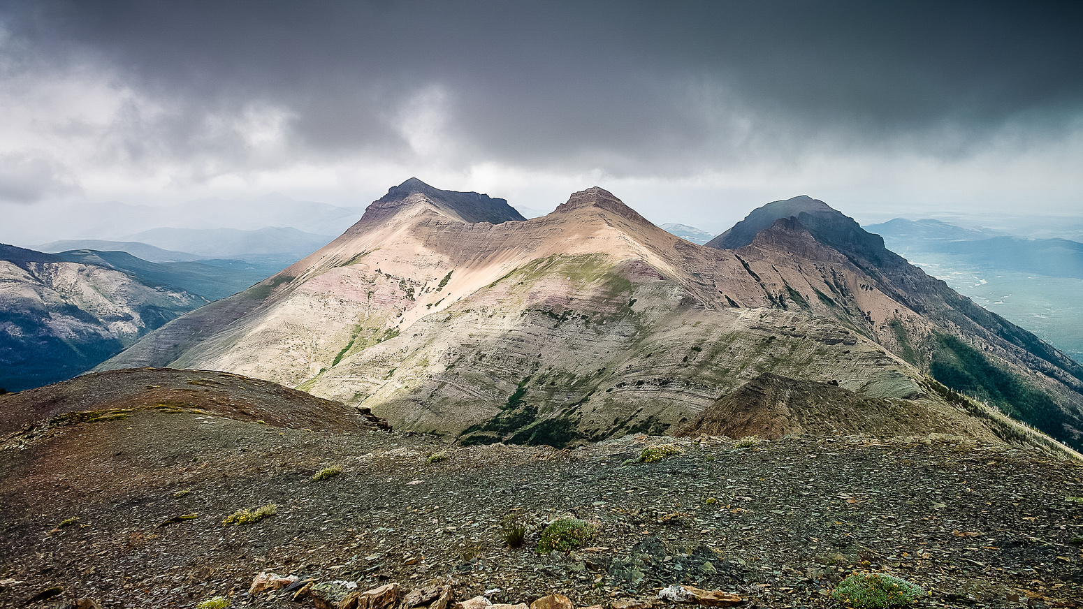 A great, moody shot of Syncline Mountain.