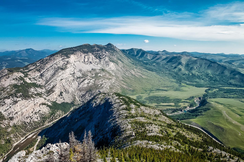 Great views north to Thrift Peak and Camp Creek Ridge (R).