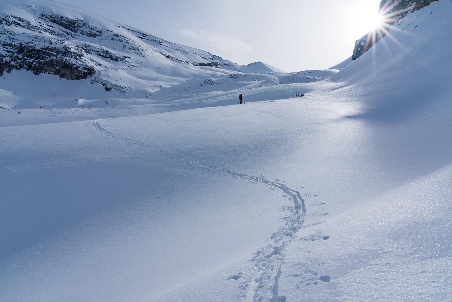 Contouring under Vulture Peak (R), towards the left-hand line.