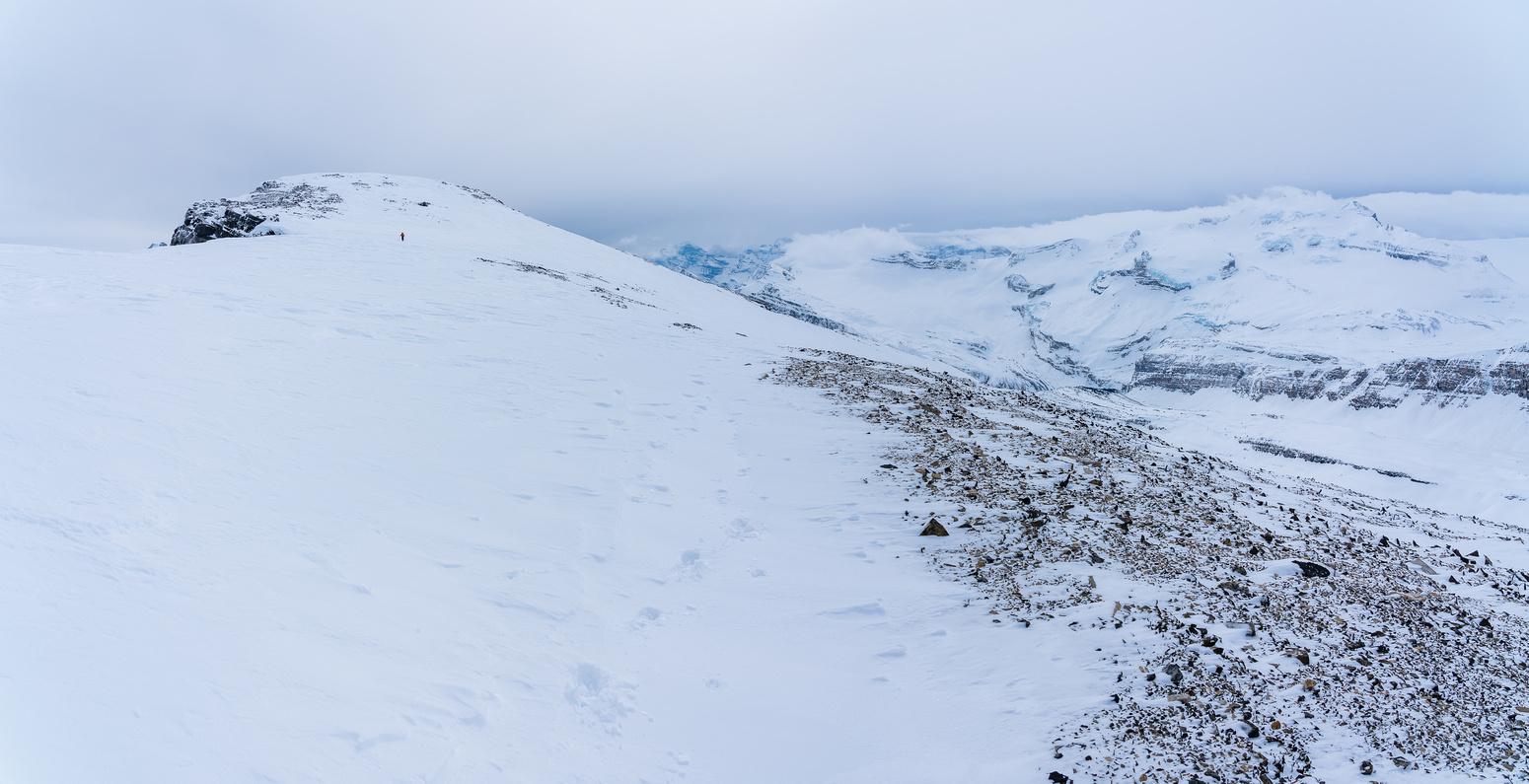 The summit ridge of Crowfoot Mountain.