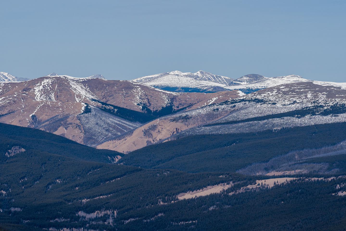 Views north towards Wellsite Mountain.