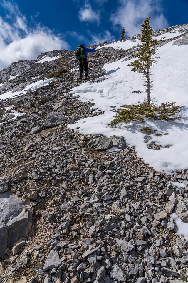 Phil ascends the SE ridge of Dormer.