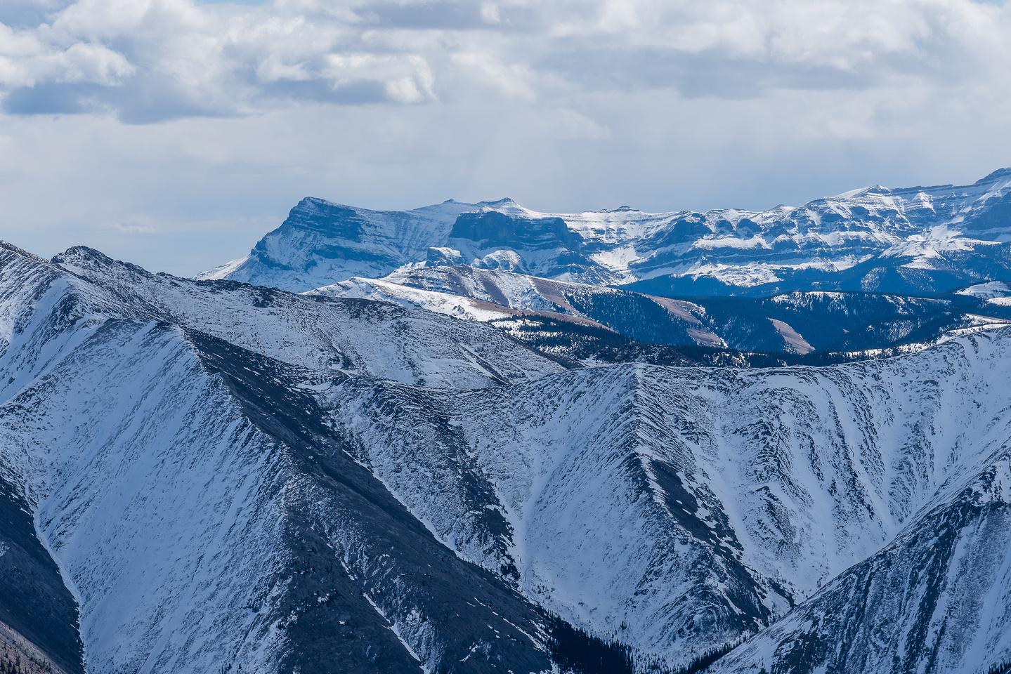 Views south to Kink (Ghost) Peak.
