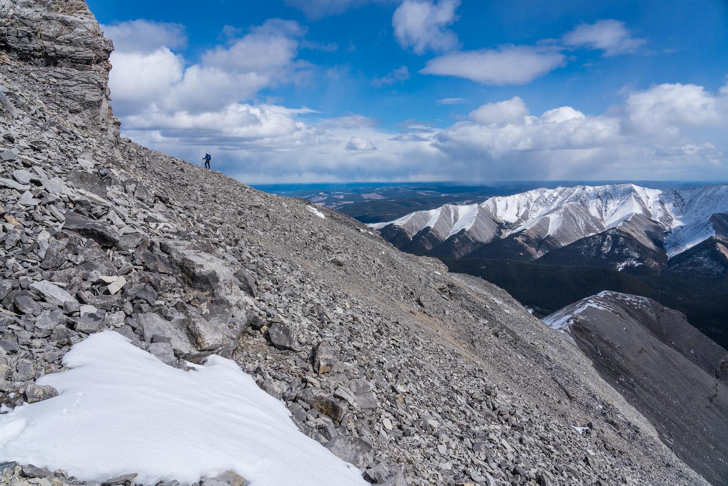 Reascending the ledge to the SE ridge.