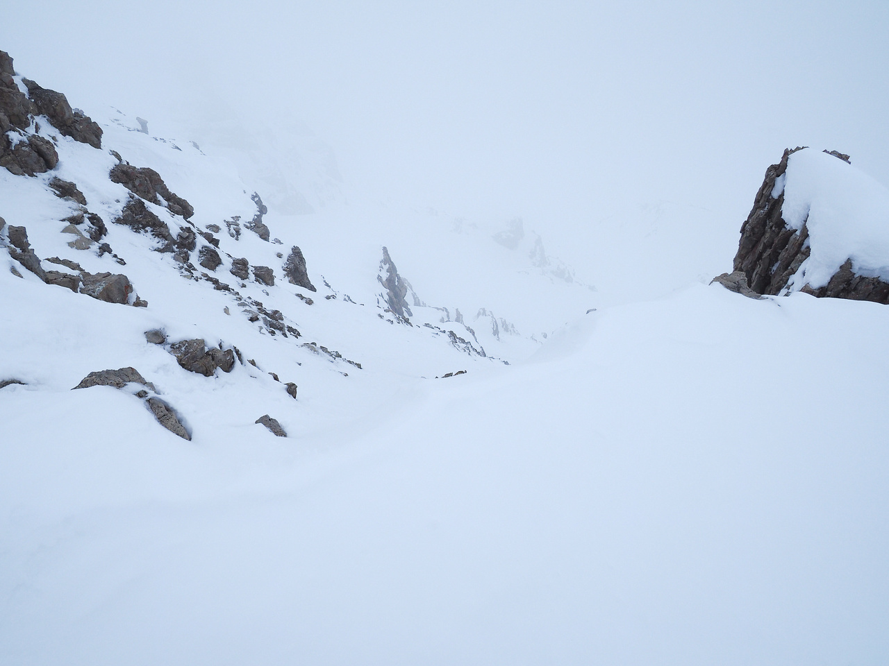 This is where the rap will take you... This is the terrain just above the steep snow gully. We didn't bother.